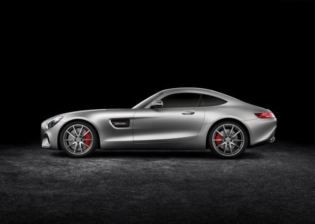 2016_MERCEDES_AMG_GT_pic-5
