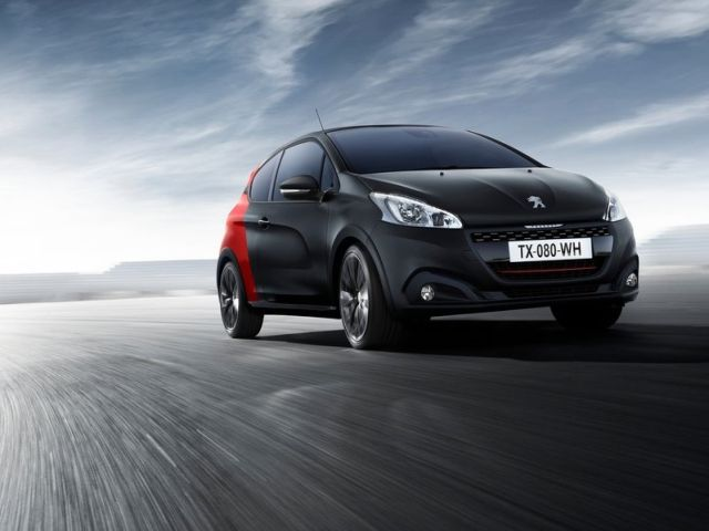 2016_PEUGEOT_208_GTI_by_PEUGEOT_SPORT_pic-2
