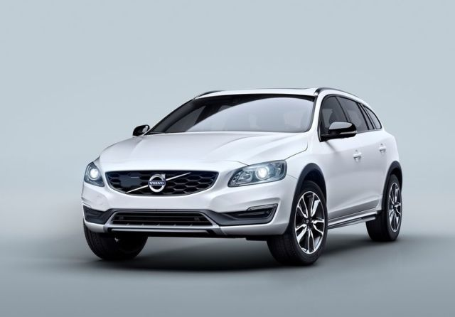 2015 VOLVO CROSS COUNTRY