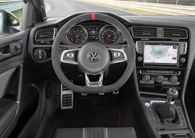 2016_VW_GOLF_GTI_CLUBSPORT_pic-8