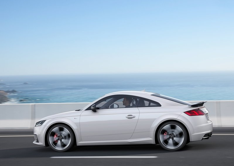 2017_audi_tt_s_line_competition_pic-4