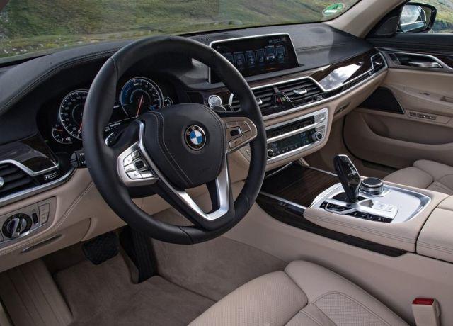 2017_BMW_740LE_XDRIVE_pic-8