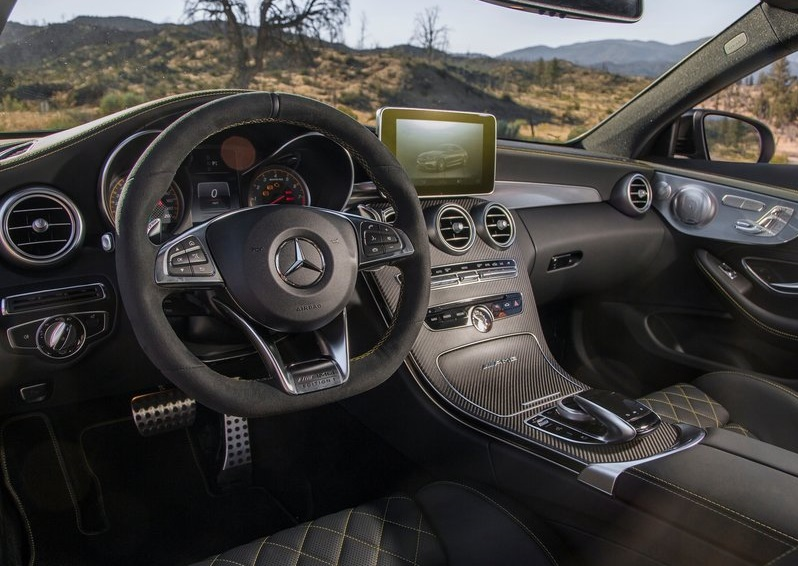2017_c63_amg_coupe_pic-8