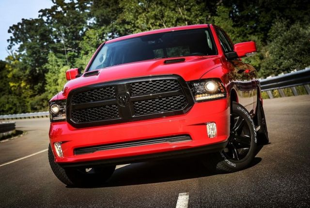 2017_DODGE_RAM_1500_Night_Package_pic-2