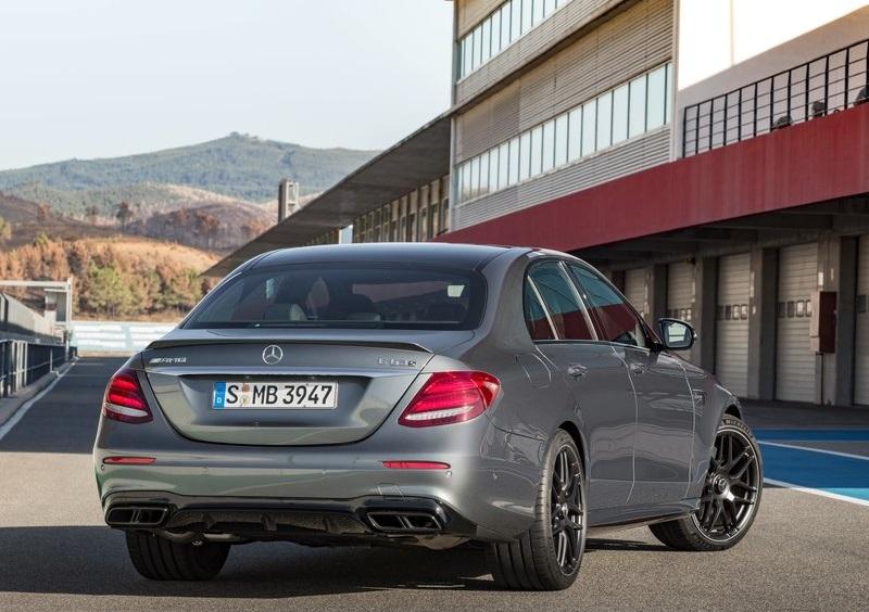 2017 mercedes benz e63 amg oopscars for Mercedes benz e63 amg 2017