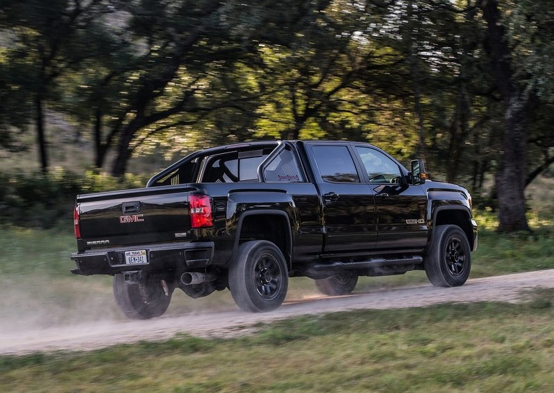 2017_gmc_sierra_2500_hd_all_terrain_x_pic-2