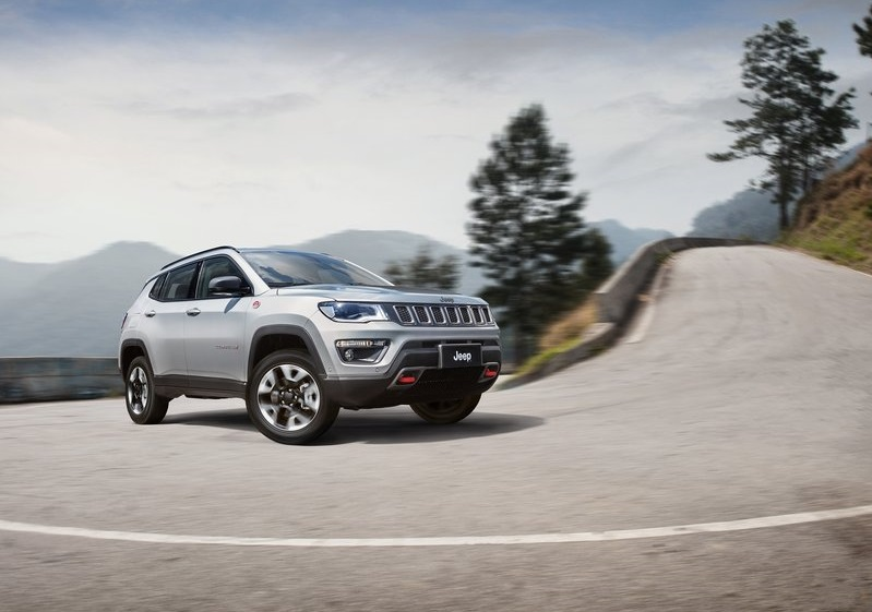 2017_jeep_compass_pic-9