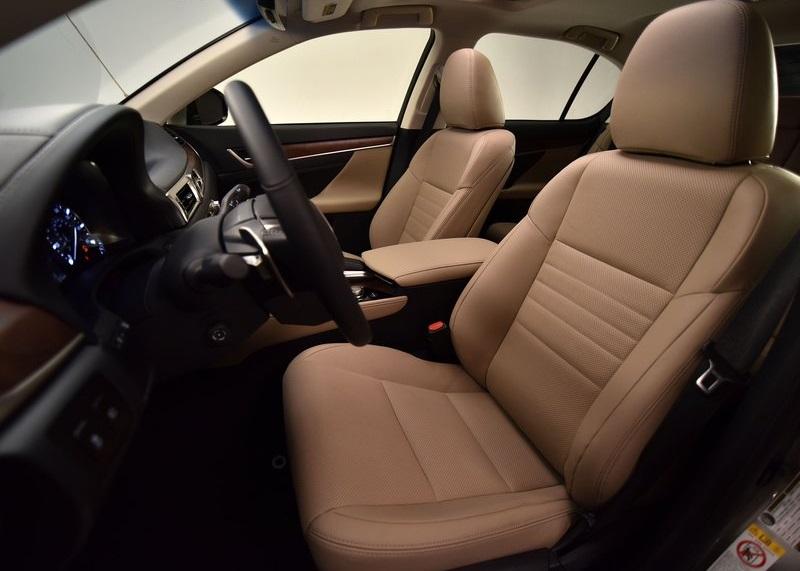 2017 LEXUS GS interior