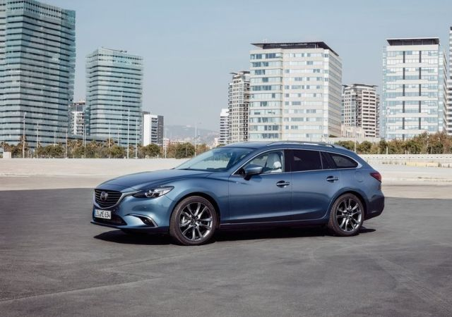 https://www.oopscars.com/wp-content/uploads/2017_MAZDA_6_WAGON_pic-3.jpg