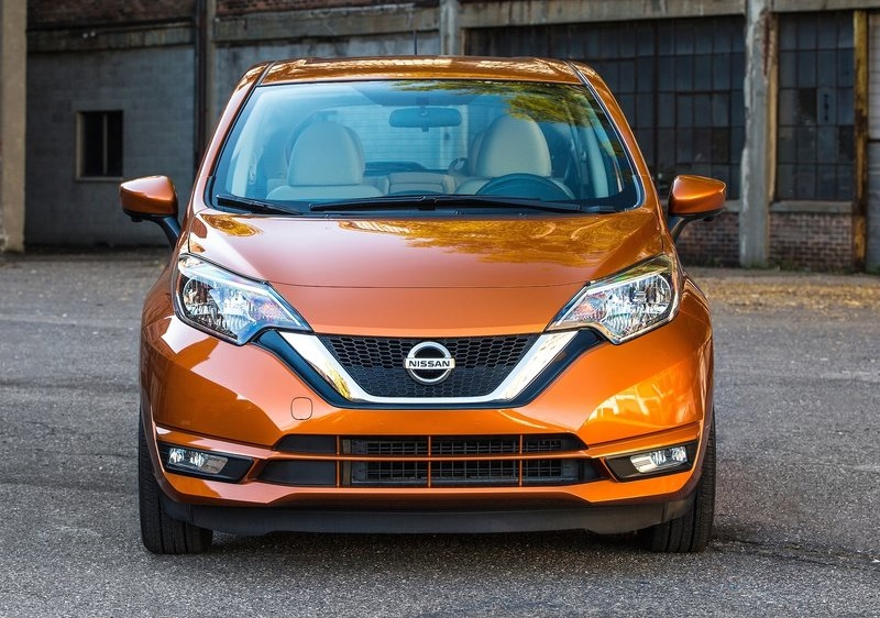 2017_nissan_versa_note_pic-4