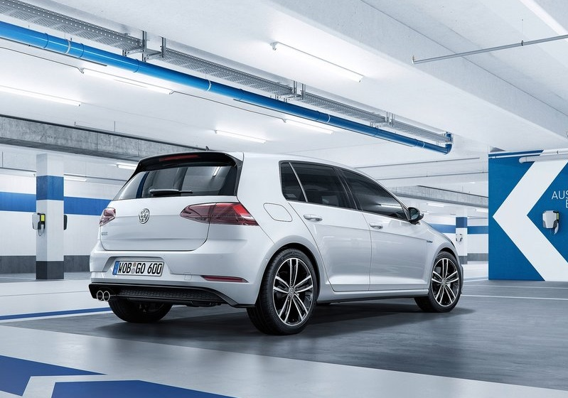 2017_vw_golf_pic-10