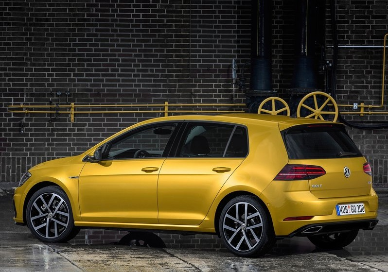 2017_vw_golf_pic-5