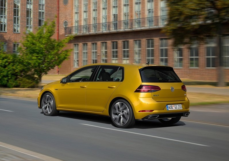 2017_vw_golf_pic-7