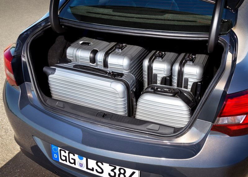 2020 Opel Astra Sedan bagaj