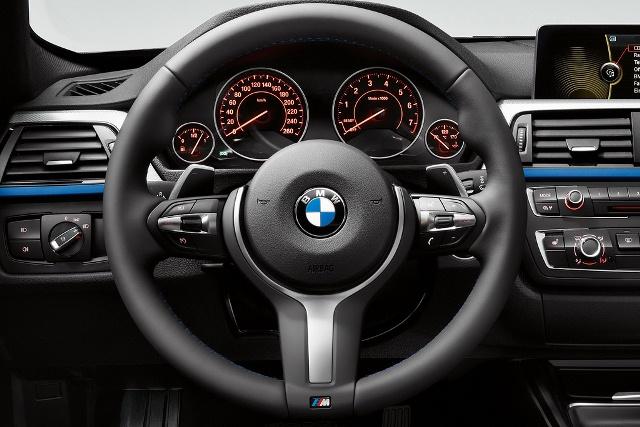 BMW_3_SERIES_M_Power_Blue_steeringwheel_pic-4