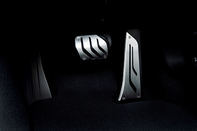 BMW_3_SERIES_M_SPORT_STYLE_EDGE_for_JAPAN_pic-5
