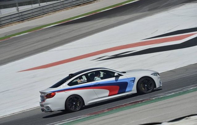 BMW_M4_COUPE_drift_pic-12