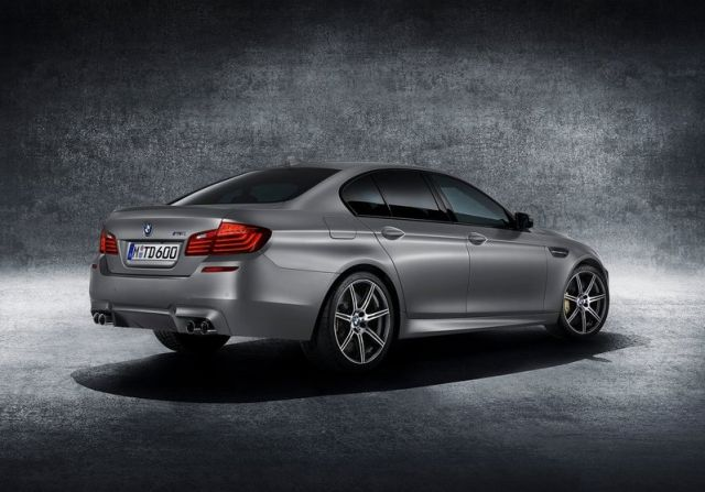 BMW_M5_30th_Anniversary_rear_pic-2