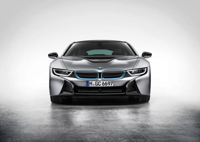 BMW_i8_electric_car_front_pic-7