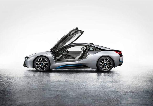 BMW_i8_electric_car_profile_pic-3