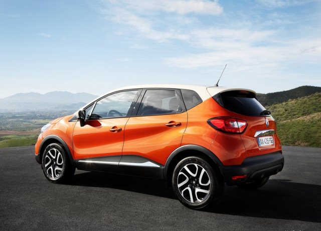 Crossover_RENAULT_CAPTUR_airview_pic-12