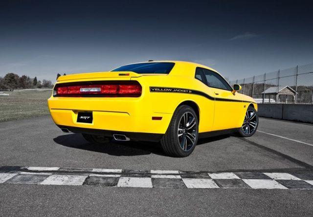 DODGE_Challenger SRT8 Yellow Jacket