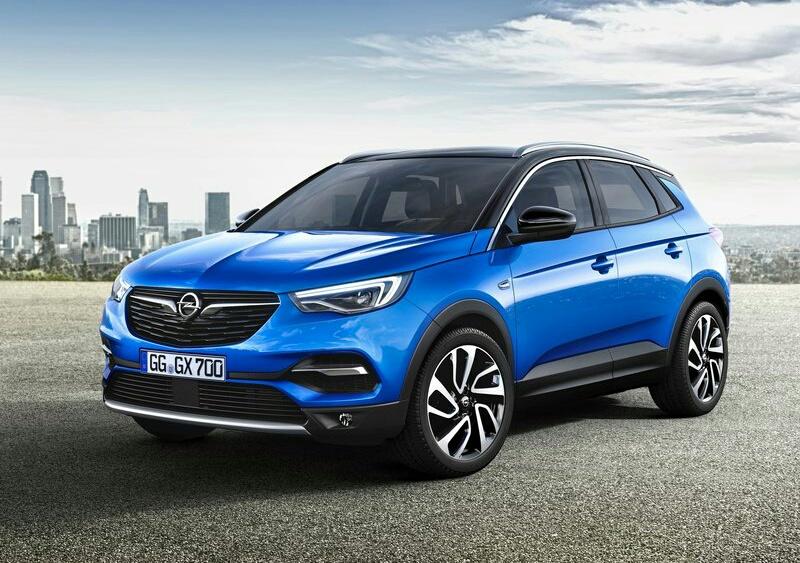 2020 Haziran Opel Grandland X'in fiyatlarına baktığımızda,en uygun fiyatlı Grandland X , 1.2 Benzinli AT-8 130 HP (otomatik) Essentia donanımında 213.500 TL fiyat ile satışa sunuluyor.