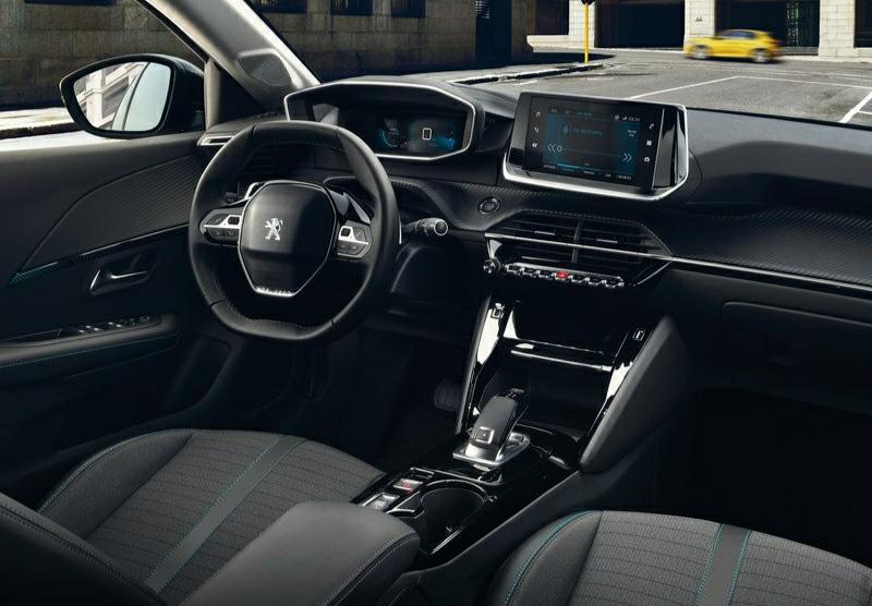 Yeni Peugeot 208 dashboard