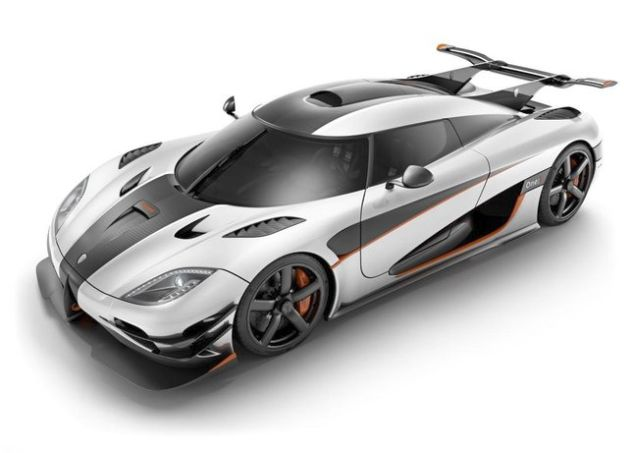 KOENIGSEGG ONE -front view