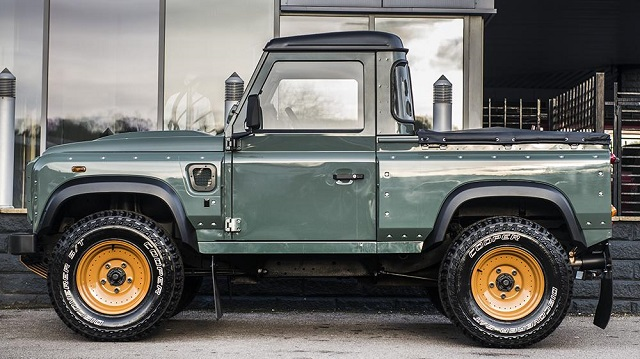 LAND ROVER DEFENDER PICK-UP tuned by Kahn Design