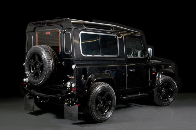 LAND_ROVER_DEFENDER_tuned_by_URBAN_TRUCK_pic-10