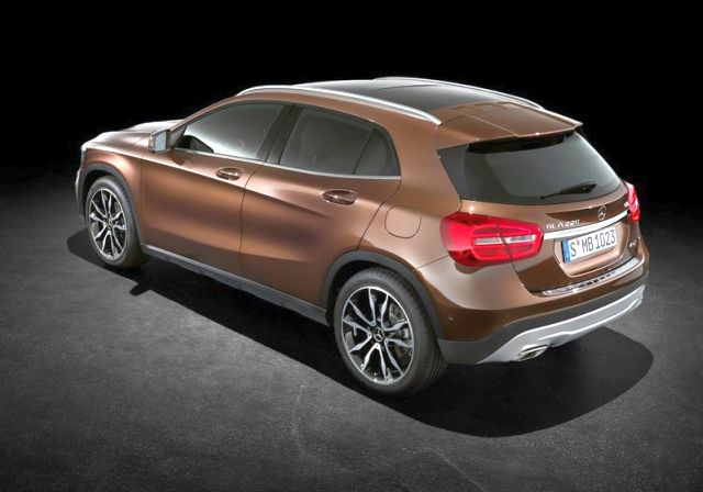 MERCEDES_BENZ_GLA_rear_pic-3