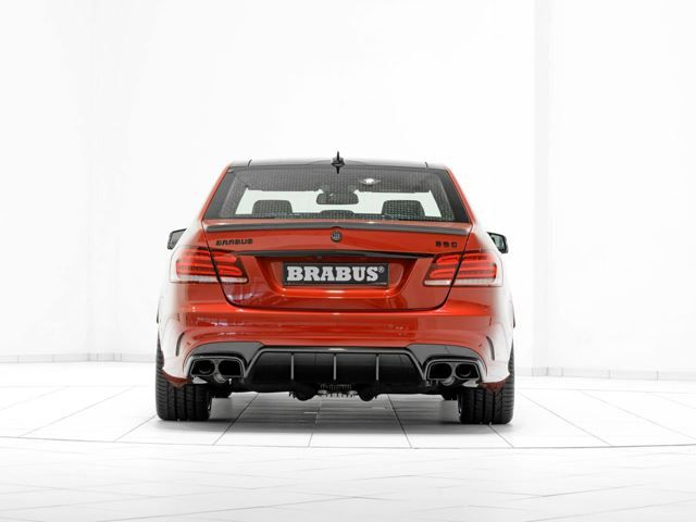 MERCEDES_E63_AMG_tuned_by_BRABUS_850_pic-6