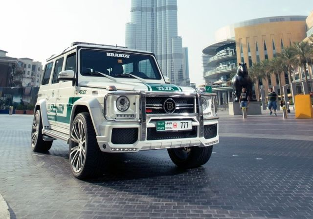 MERCEDES_G63_BRABUS_B63S_700_WIDESTAR_DUBAI_POLICE_Tuning_front_pic-2