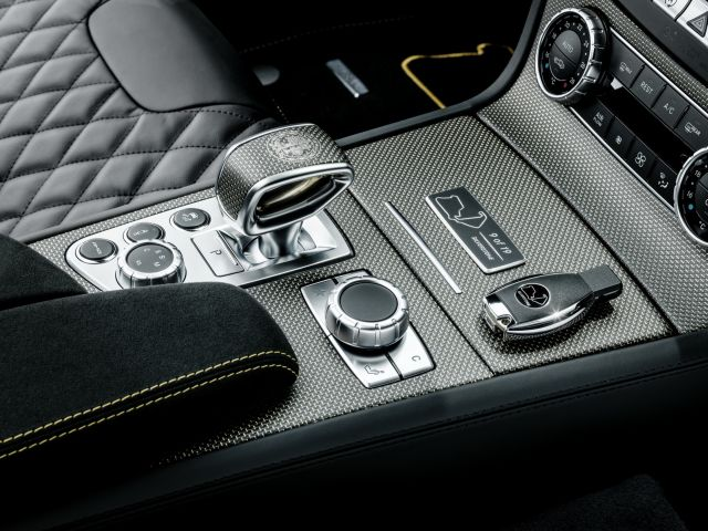 MERCEDES_SL63-AMG_WORLD CHAMPIONSHIP-2014_Collector's_Edition_pic-5