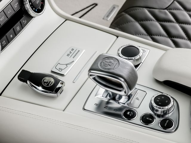 MERCEDES_SL63-AMG_WORLD CHAMPIONSHIP-2014_Collector's_Edition_pic-8