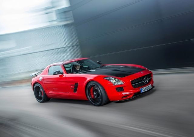 MERCEDES_SLS_AMG_FINAL_EDITION_Red_front_pic-3