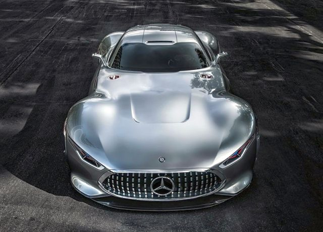 MERCEDES_VISION_GRAN_TURISMO_Concept_front_pic-4