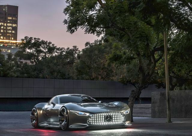 MERCEDES_VISION_GRAN_TURISMO_Concept_front_pic-7