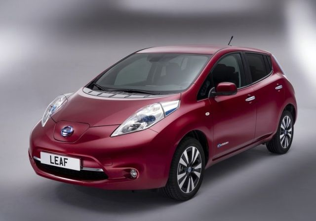 NISSAN_Leaf_red_front_pic-1