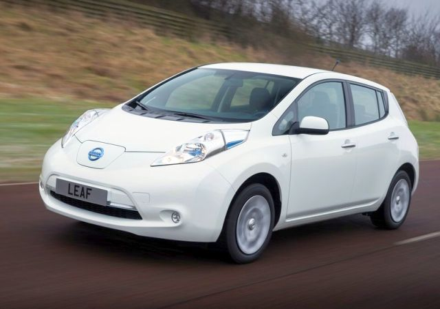 NISSAN_Leaf_white_front_pic-4