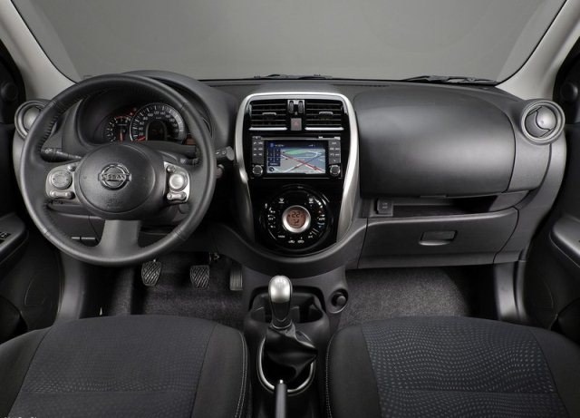 NISSAN_MICRA_Restyle_2014_dashboard_pic-11
