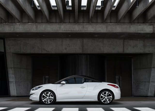 2014 PEUGEOT RCZ white profile