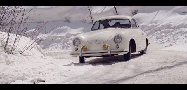 PORSCHE 356 SPYDER drift in the snow