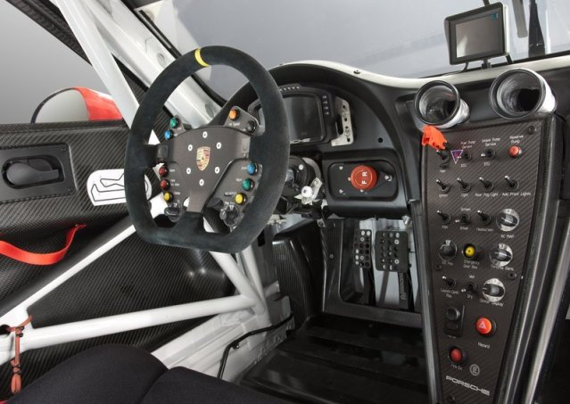 PORSCHE_911_RSR_pic-interior_pic-5