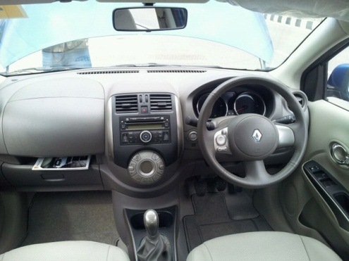 Renault Scala dashboard & steeringwheel