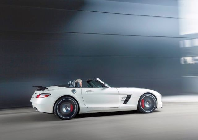 Roadster_MERCEDES_SLS_AMG_FINAL_EDITION_white_profile_pic-3