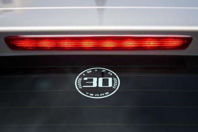 SEAT_IBIZA_30th_Anniversary_logo_pic-4