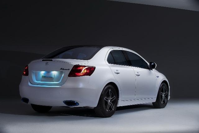 SUZUKI_KIZASHI_Hybrid_rear_pic-8