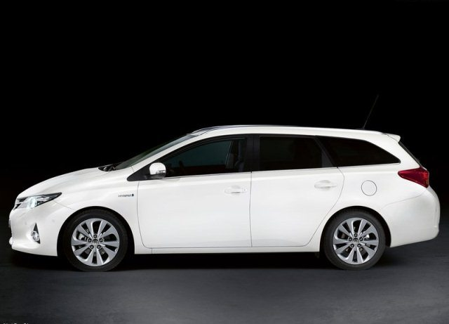 toyota auris sw touring sports. Black Bedroom Furniture Sets. Home Design Ideas